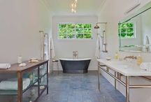 Amazing Bathrooms / We've picked the most luxurious or unique bathrooms across the 570,000 holiday rentals on HomeAway.com.au