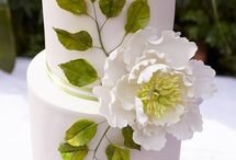 Sugar flowers / handmade sugar flowers for wedding cakes