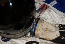 Spacesuits II / Astronautenanzüge, Raumanzüge, Spacesuits