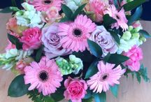 Pretty arrangements / My love of flowers
