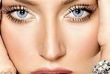 - Make up -