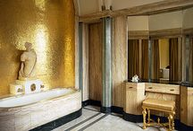 Art Deco Bathrooms / Fabulous Art Deco bathrooms that capture the opulence of an era full of glamour and dripping with style!