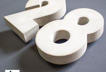 Hausnummern Bauhaus / Hausnummern in Bauhaus-Design vom Hersteller beton-werk17. Die Betonziffern gibt es in angesagter Beton-Optik sowie in den Farben Anthrazit, Weiß, Rot.