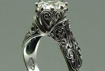 Je libo prsten..?