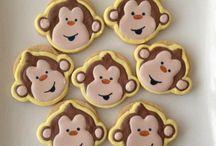 Monkey Cakes / Fan shares of monkey cakes, monkey cupcakes and monkey toppers. Monkey business.