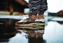 sneakers paranoia
