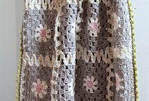 Crochet / by Rachel Linquist