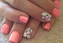nails / by Anna Pantano