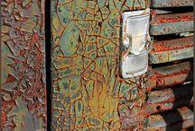 METAL - RUST / Tárgyak fémből, felületek rozsdával, fémszobrászat