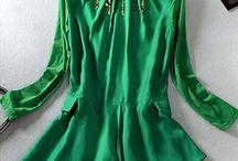 Blusa Pêndulo / Tamanho M Moda Européia composição do tecido: 100% Seda Manga comprida Cor: Verde Real