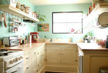 Kitchens / by Traci McMahan