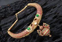 neckwear jewellery