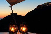 Sun Rocks Hotel Santorini / The Sun Rocks Hotel is a luxury hotel in Santorini, Greece http://www.mediteranique.com/hotels-greece/santorini/sun-rocks-santorini/
