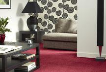 Tapijt / Een tapijt biedt comfort, draagt bij aan schone lucht, welbehagen en een goede akoestiek. Kolkman Wonen heeft een ruim assortiment tapijten in alle mogelijke kleuren, dessins en kwaliteiten. Zowel voor woningen als projecten.
