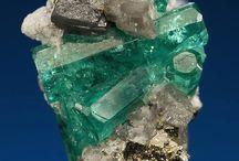 Crystals/minerals/gems