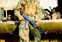 Военнослужащие U.S. и оружие СССР