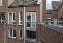 VERKOCHT | Hoogzwanenstraat 116 Maastricht / Ruim appartement gelegen op de 2e, 3e en 4e verdieping. Gelegen in een autovrije straat in het centrum van Maastricht op slechts 100 meter van de gezellige binnenhaven 't Bassin.  Het appartement heeft een woonoppervlakte van ca. 85 m². Voor meer informatie kijk op www.rendersmakelaars.nl