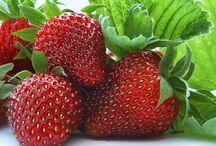 owoce strawberries / owoce strawberries