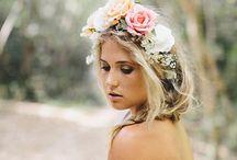 Tocado y ramo rosas blancas