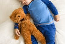 How To Get Babies & Kids To Sleep Through The Night / Do you need help to get your baby or child to stay asleep throughout the night? Here you'll find sleep tips, gadgets, books, items and advice to get your child to fall asleep and sleep through the night.