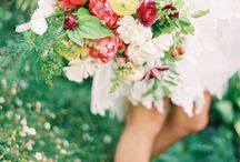 Wedding Flowers / Floral design inspiration for bouquets, tables & button-holes  / by Anushé Low