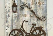 dreveny bicykel kvetinky