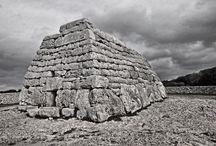 Baleares. Menorca. La Naveta des Tudons. 1200-750 ac. / Photo Travel History Art Architecture Archaeology Fotografía Viajes Historia Arte Arquitectura Arqueología