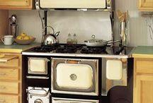 Cuisinières / Cuisinières vintage encore en service.