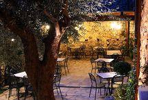 La Locanda del Ditirambo ristorante / La Locanda del Ditirambo ristorante gourmet situato nel centro storico di Castro dei Volsci, con la sua cucina raffinata e la sua atmosfera accogliente rilassante ed elegante, vi farà vivere un'indimenticabile esperienza.