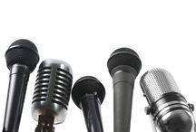 10 loại Microphone / Có 1 điều tuyệt vời  chính là con người chúng ta  có thể chuyển những rung động đó đi rất xa đến cả nửa vòng Trái Đất hay chỉ một lời nói thì thầm mà cũng có thể làm cho cả sân vận động nghe được. Để làm được việc đó, con người đã bỏ ra hàng nghìn giờ để tìm tòi, nghiên cứu và phát minh ra những chiếc micro, những thứ mà ngày nay vẫn thường xuyên sử dụng: trong sinh hoạt thường ngày, lĩnh vực truyền thông, quân sự, âm nhạc… Hãy cũng ADAM Muzic tìm hiểu xem những loại micro đó là gì nhé!
