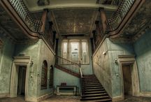 Lost & Living Manor Houses
