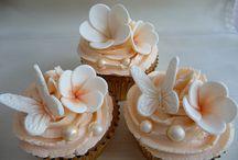 Cupcakes / by Karlyn Logel