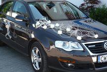 Dekoracje aut do ślubu