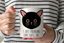 Gifts ideas for cat lovers / A collection of products for cat lovers and crazy cat ladies. Gift ideas for Christmas and birthdays for people who love animals and cute accessories.