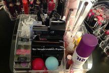 Make up  / by Imani Temetra Harris