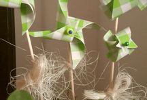 foukni / Papírová dekorace, zápich do květináče.
