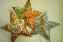 Estrellas navideñas / Técnica empleada: cartapesta y decoupage. Precio por unidad: 50p