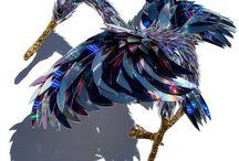 SEAN E. AVERY // Amazing animals sculptures made from broken CDs / Amazing Animals Sculptures Made From Broken CDs  More Images http://tinyurl.com/n32xk3y  #animals #animal #sculpture #cd #broken cds #art #artist #artistcommunity