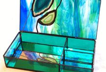 Stained glass box with agate