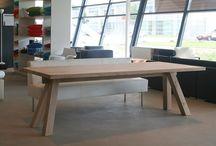 Designsales Utrecht / Designsales is een echte Hollandse fabriekswinkel. Als meubelfabrikant met eigen productie van moderne design meubelen hebben wij drie ruime showrooms geopend van waaruit wij onze producten rechtstreeks aan de consument  verkopen. Zonder tussenhandel zijn onze prijzen dan ook permanent 30 tot 35% lager dan in de reguliere woonwinkels. Het betreft nieuwe meubelen die wij vanuit voorraad of op bestelling kunnen leveren