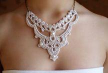 háčkovaný šperk