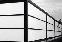 Forefence designgjerder, levegger og rekkverk / Design gjerder, levegger og rekkverk. Design fences, wood, glas, steel