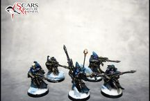 Warhammer Eldar figures and color schemes