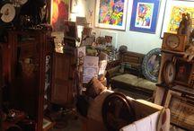 Antiek / Antieke meubelen, antieke lampen-luchters, curiositeiten, snuisterijen.