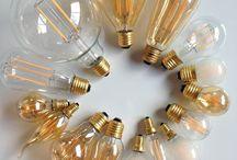 Lichtbronnen / Lichtbronnenonline.nl is een webshop speciaal voor lichtbronnen, zoals: Led Lampen, Halogeen Lampen, Kooldraad Lampen, Globe Lampen, Trafo's en Dimmers