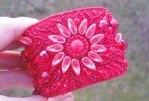 Pro ženy / Z přírodní plsti se dá vyrobit spoustu krásných a kvalitních věcí na ozdobu