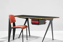 The perfect desk / by Danielle @ mostdaysiwin