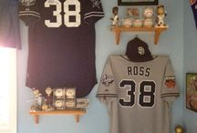 San Diego Padres / The Ultra Mount jersey display hanger creates a great San Diego Padre jersey display.  Only $29.99!