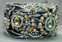 Extraordinary Jewellery of the World ....