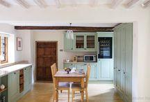 Konyha angol stílusban / A NaDe konyhabútoraiban minden megtalálható, ami egy lenyűgöző konyhában kell: tökéletes belső és esztétikus külső.